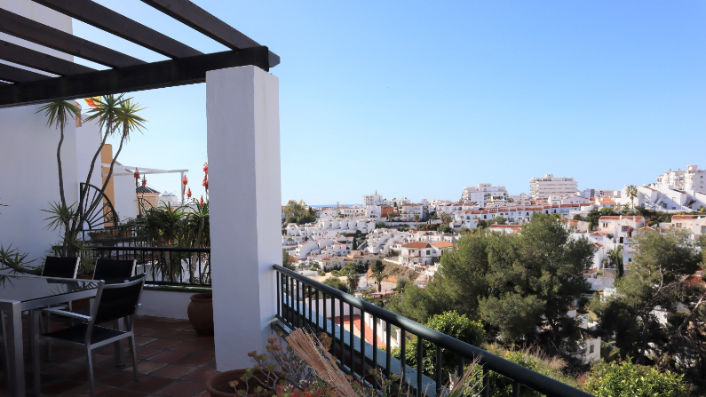 rent apartment nerja burriana
